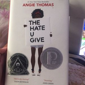 """Book """"the hate you give"""""""